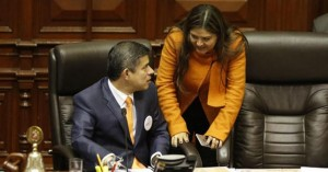 132343-congresista-fujimorista-propone-reforma-constitucional-evitar-cierre-congreso